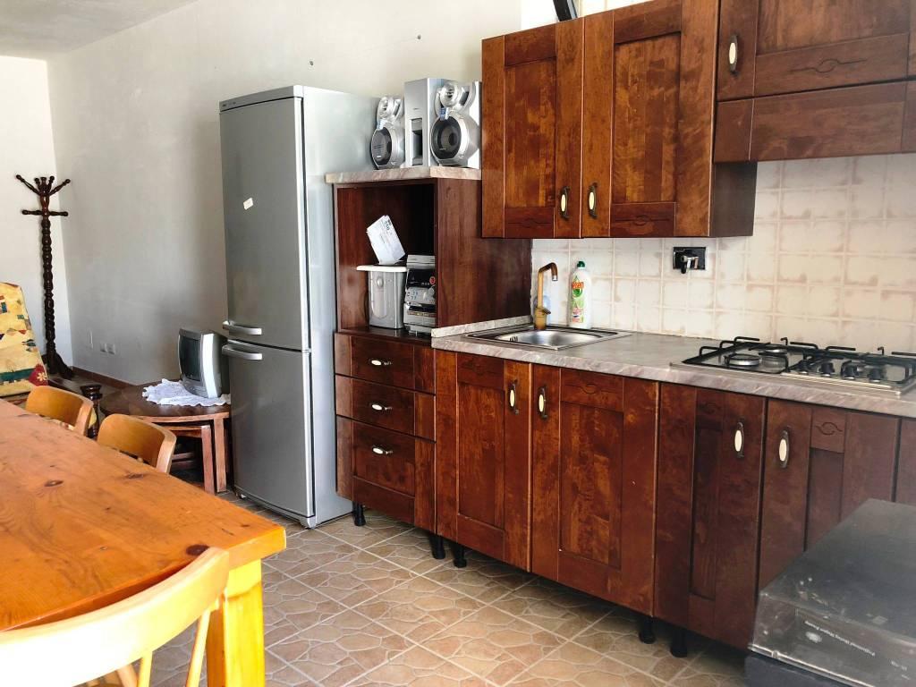 Appartamento in buone condizioni arredato in affitto Rif. 7945239