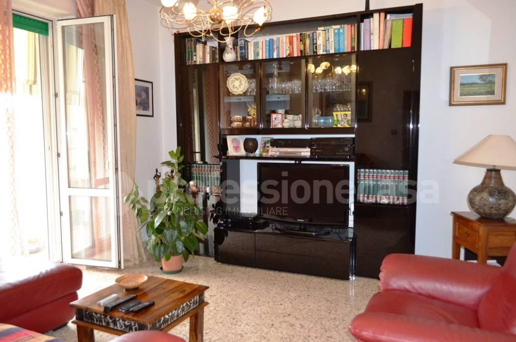 Appartamento in buone condizioni in vendita Rif. 7949117