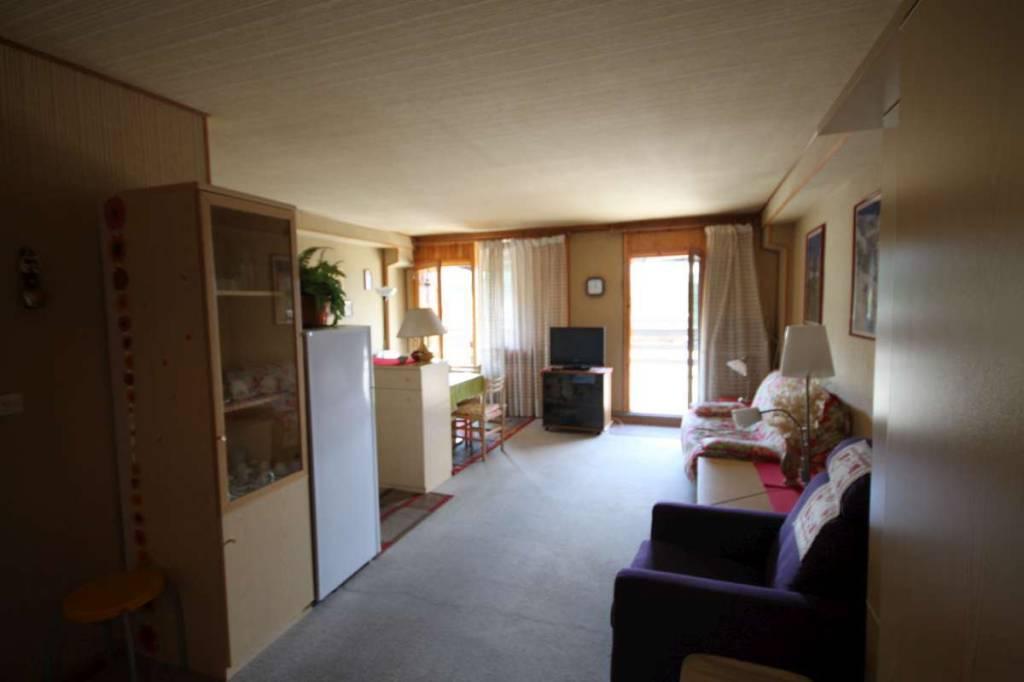 Appartamento in buone condizioni arredato in vendita Rif. 7947125