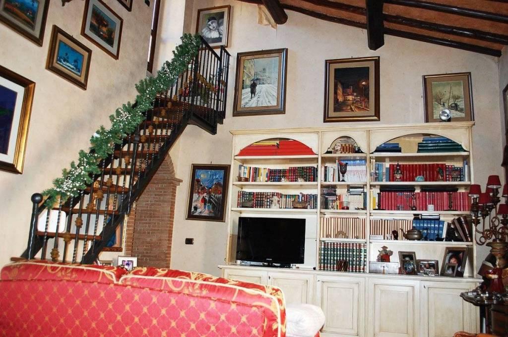 Appartamento in vendita a Frascati, 3 locali, prezzo € 245.000   CambioCasa.it