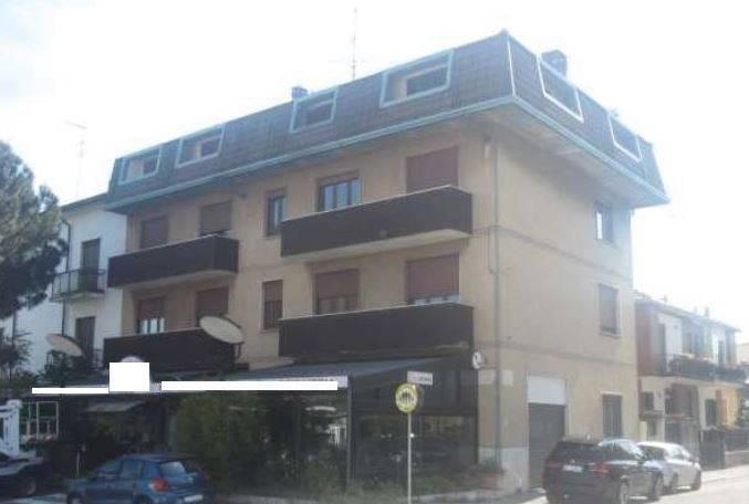 Appartamento in buone condizioni in vendita Rif. 7965172