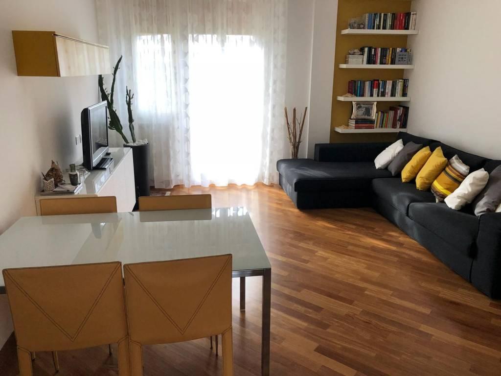 Appartamento in ottime condizioni parzialmente arredato in vendita Rif. 9161054