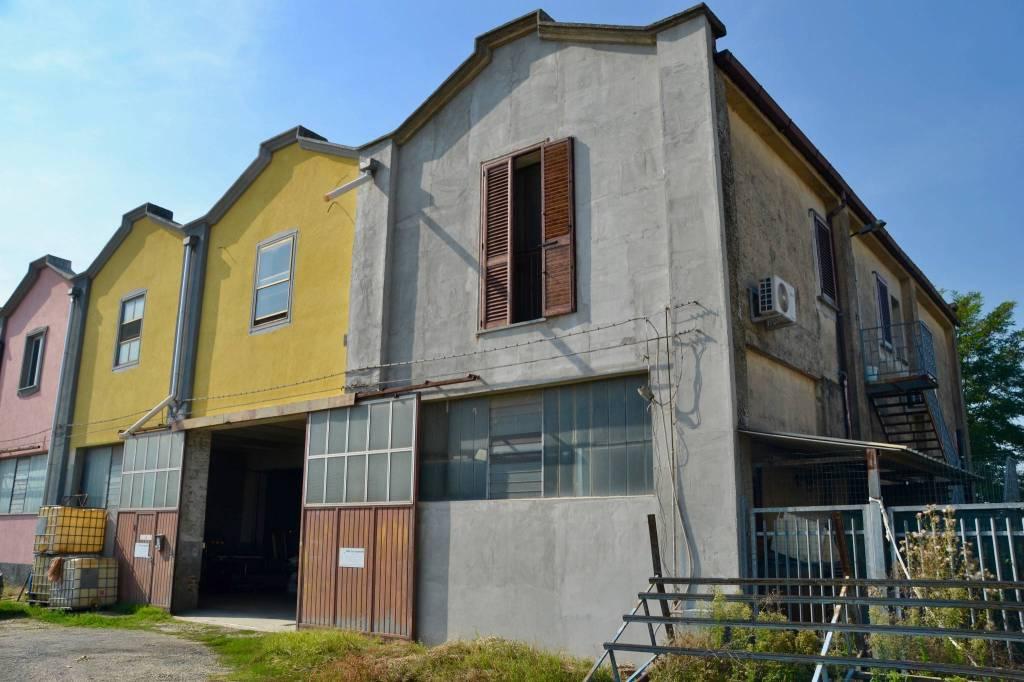 Laboratorio in vendita a Zinasco, 9999 locali, prezzo € 170.000 | CambioCasa.it