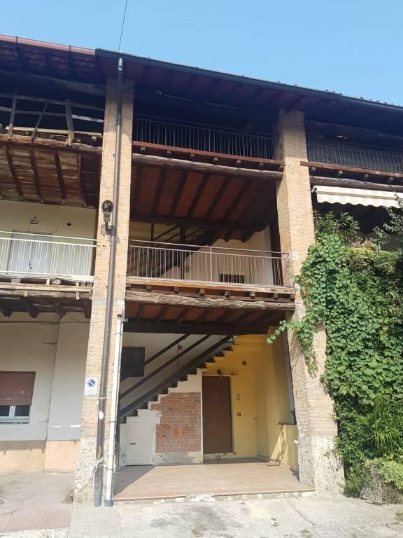 Appartamento in vendita a Grezzago, 4 locali, prezzo € 89.000 | CambioCasa.it