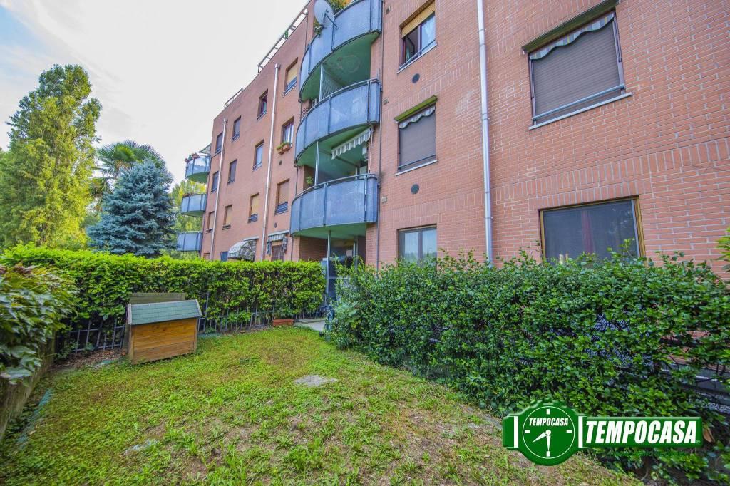 Appartamento in buone condizioni arredato in vendita Rif. 7949551