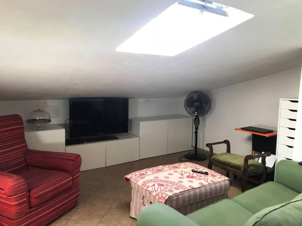 Appartamento in ottime condizioni arredato in vendita Rif. 7949226