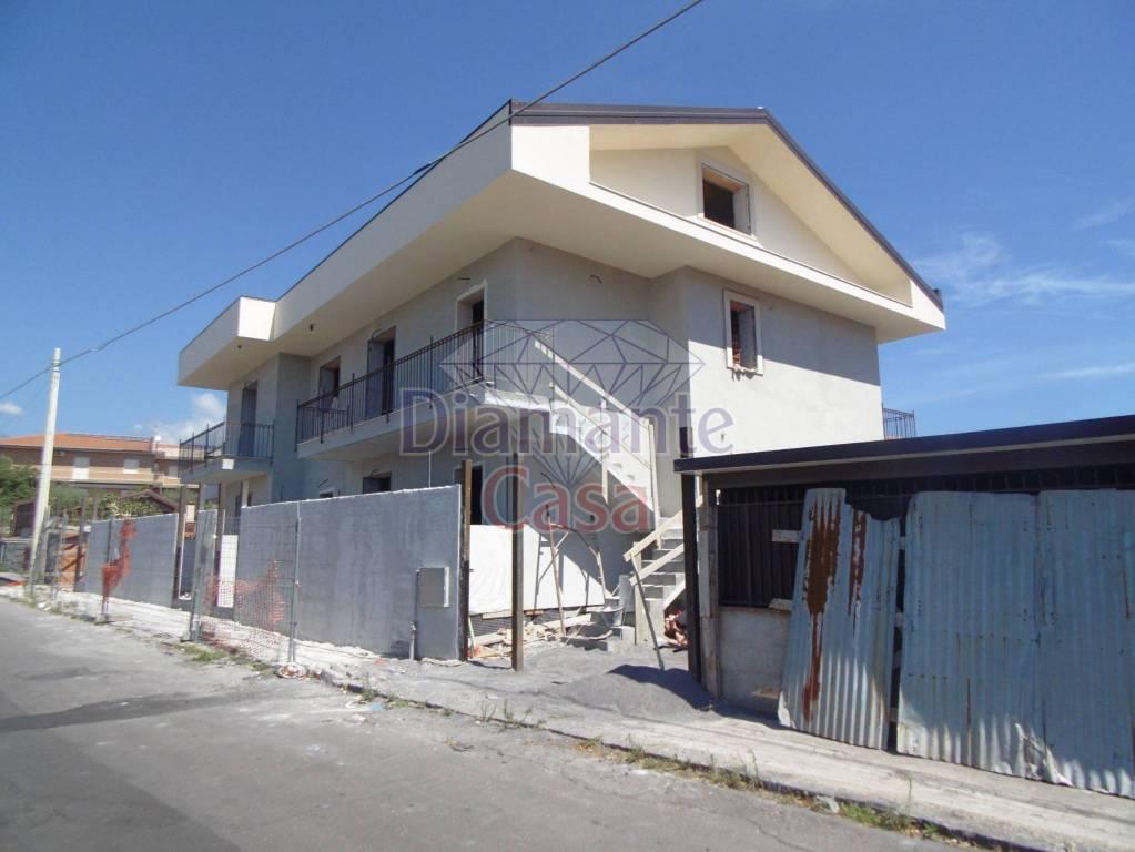 Villa in Vendita a San Pietro Clarenza Centro: 3 locali, 120 mq
