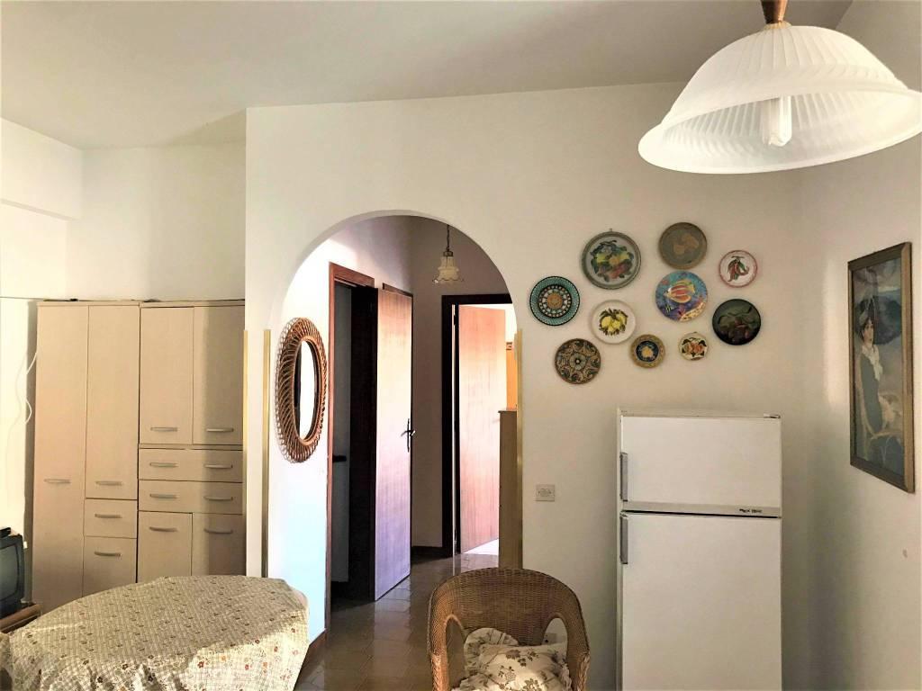 Appartamento in buone condizioni in vendita Rif. 7948208