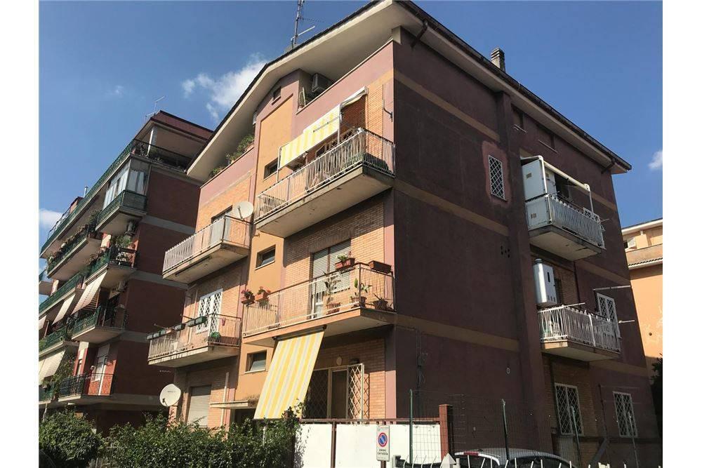 Appartamento da ristrutturare in vendita Rif. 7970993