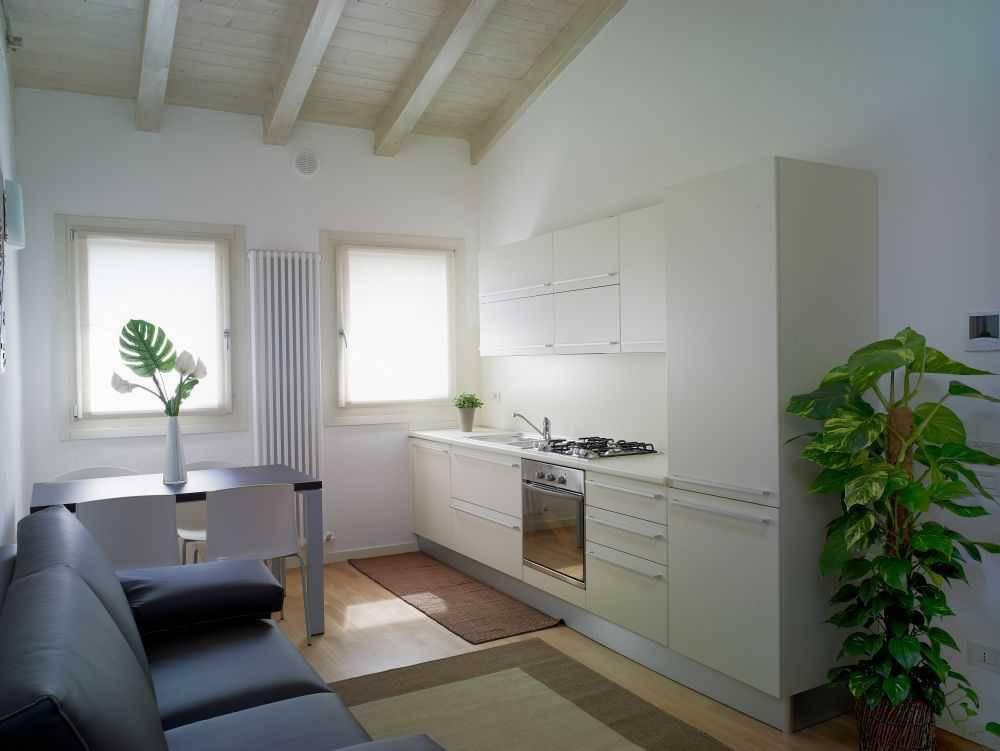 Appartamento in buone condizioni arredato in vendita Rif. 7970550