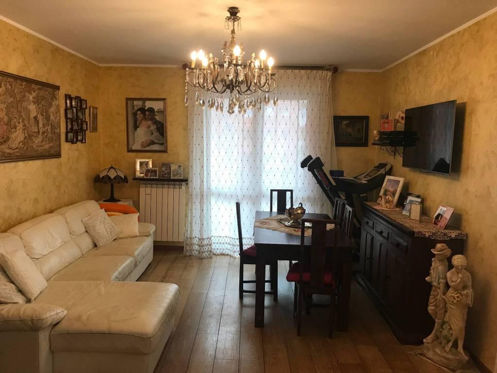 Appartamento in ottime condizioni in vendita Rif. 7967143