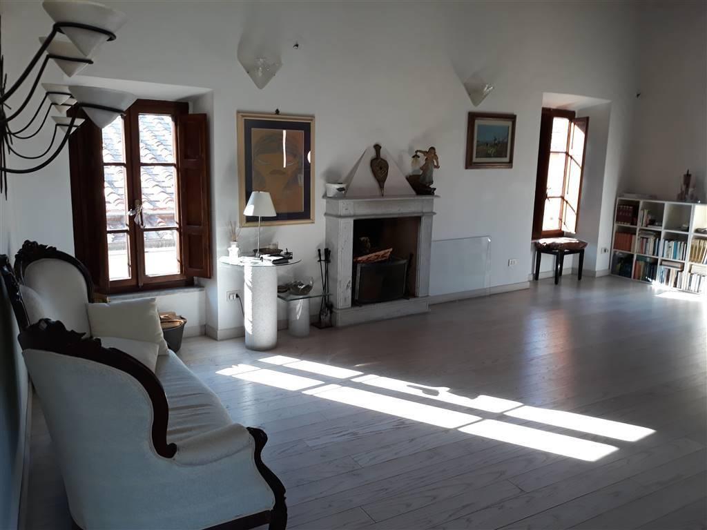 Appartamento in ottime condizioni arredato in affitto Rif. 7964228
