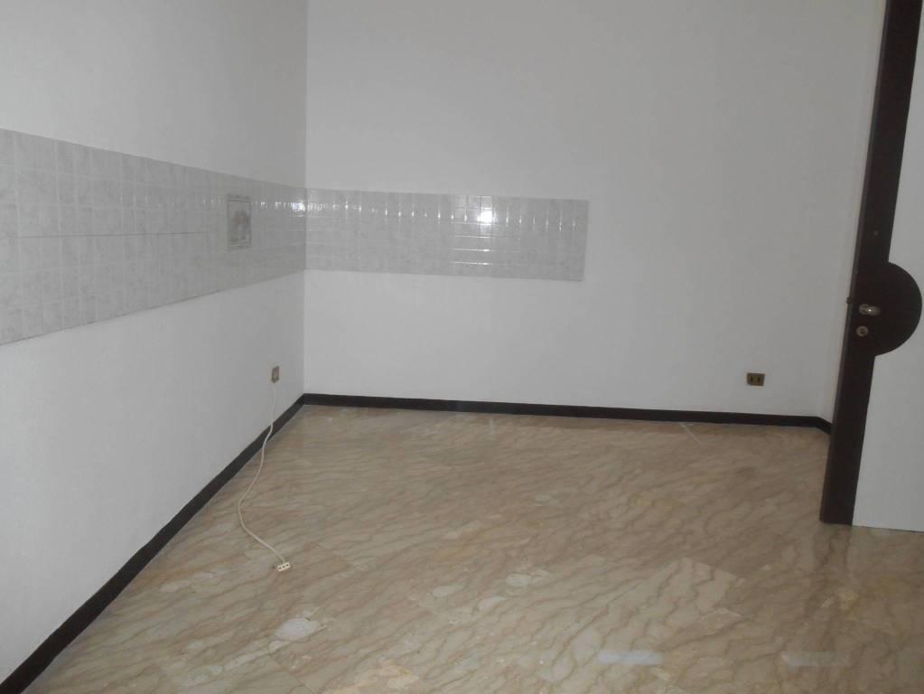 Appartamento in ottime condizioni in affitto Rif. 7963882