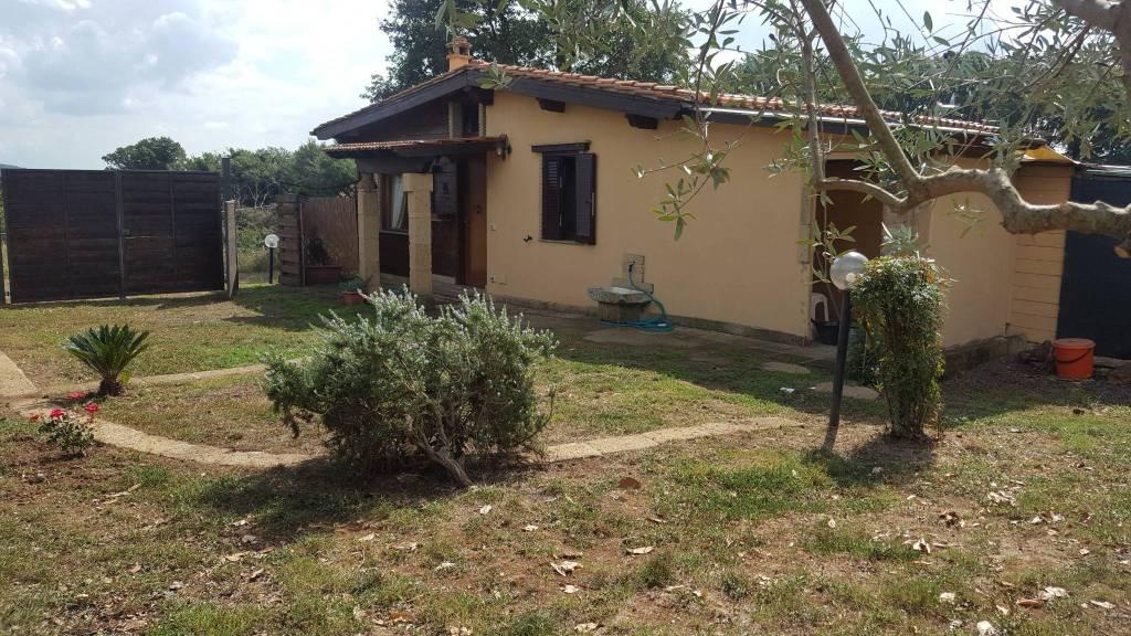 Villetta a schiera in ottime condizioni arredato in affitto Rif. 7969439
