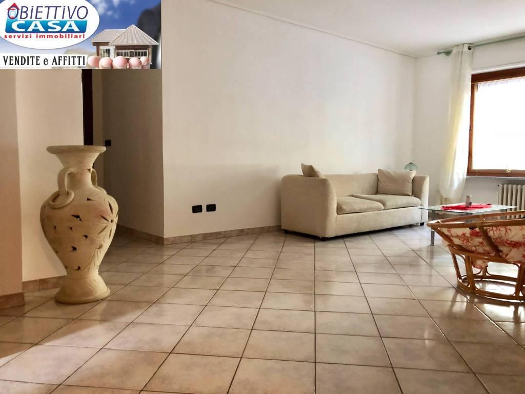 Appartamento in ottime condizioni arredato in vendita Rif. 7968874