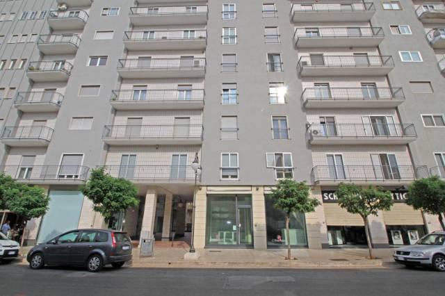 Appartamento in buone condizioni in affitto Rif. 6827039