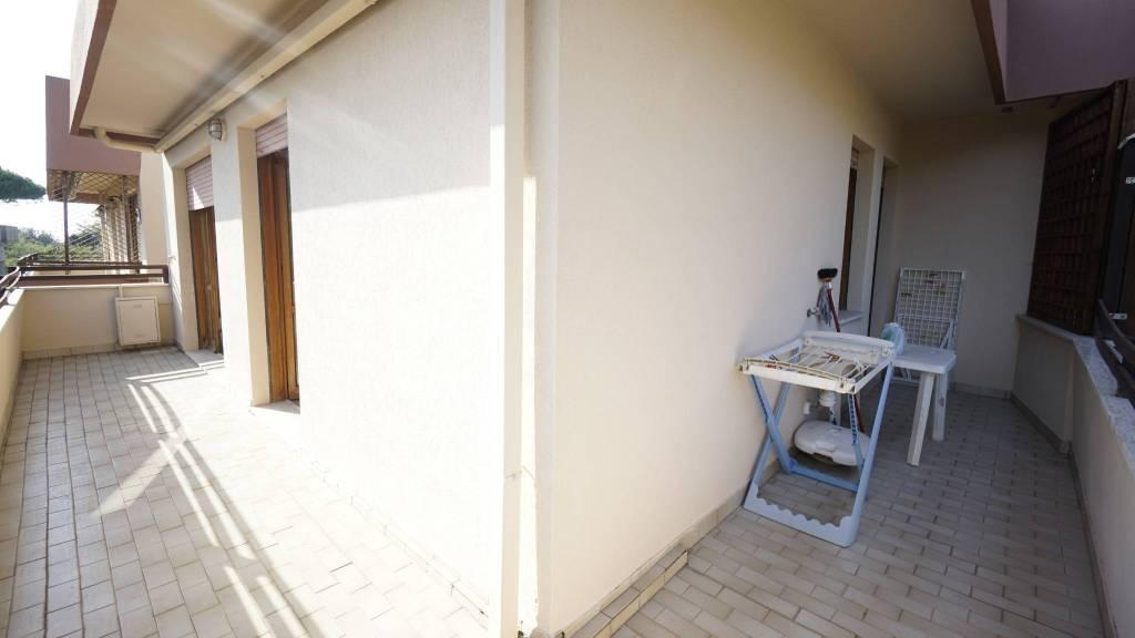 Appartamento in buone condizioni arredato in affitto Rif. 7967361