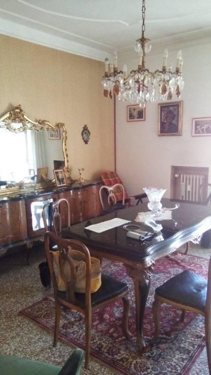 Appartamento in vendita a Vercelli, 4 locali, prezzo € 45.000 | CambioCasa.it