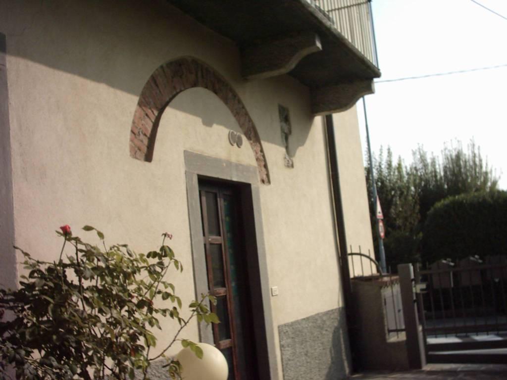 Appartamento in buone condizioni arredato in affitto Rif. 8975359
