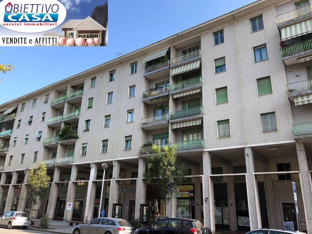 Appartamento in buone condizioni in vendita Rif. 7968875