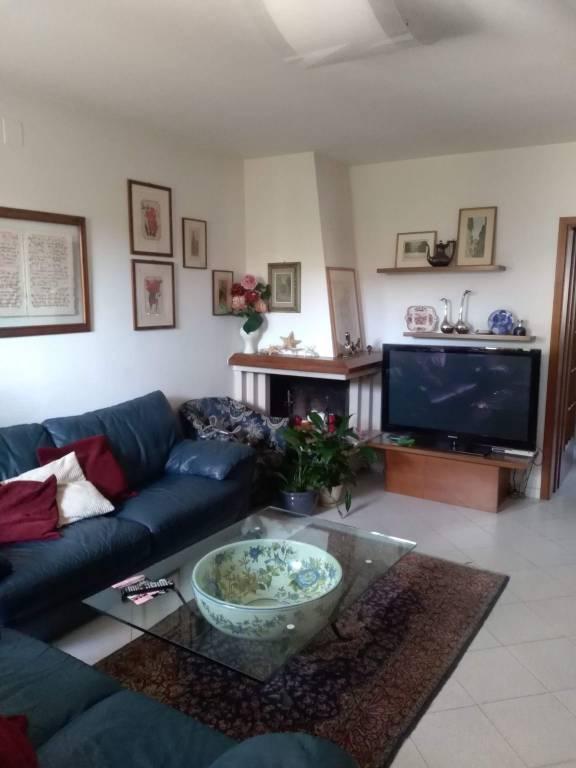 Villetta a schiera in buone condizioni in vendita Rif. 7970848
