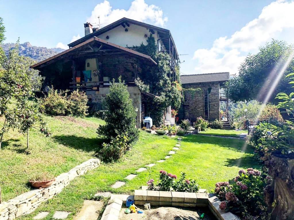 Rustico / Casale in vendita a Pinasca, 5 locali, prezzo € 80.000   CambioCasa.it