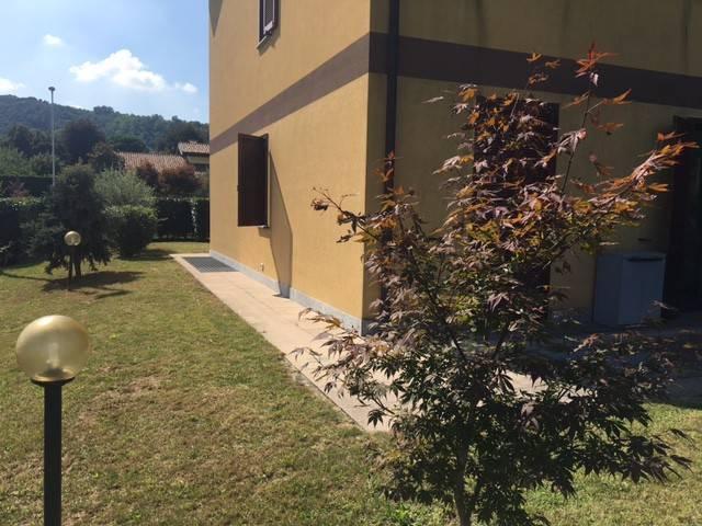 Appartamento in buone condizioni in affitto Rif. 8022361