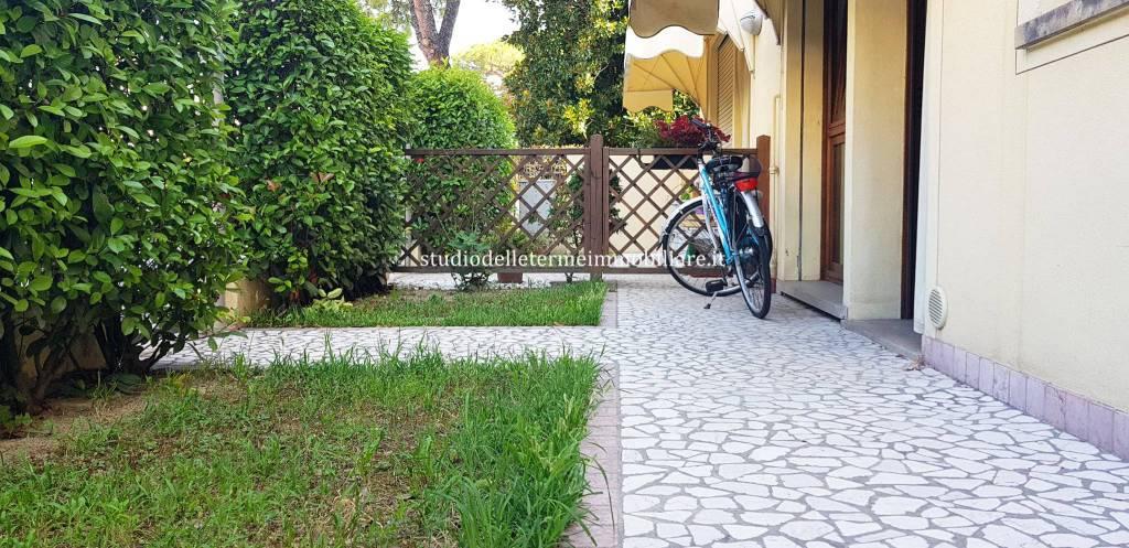 Appartamento in buone condizioni parzialmente arredato in vendita Rif. 7967164