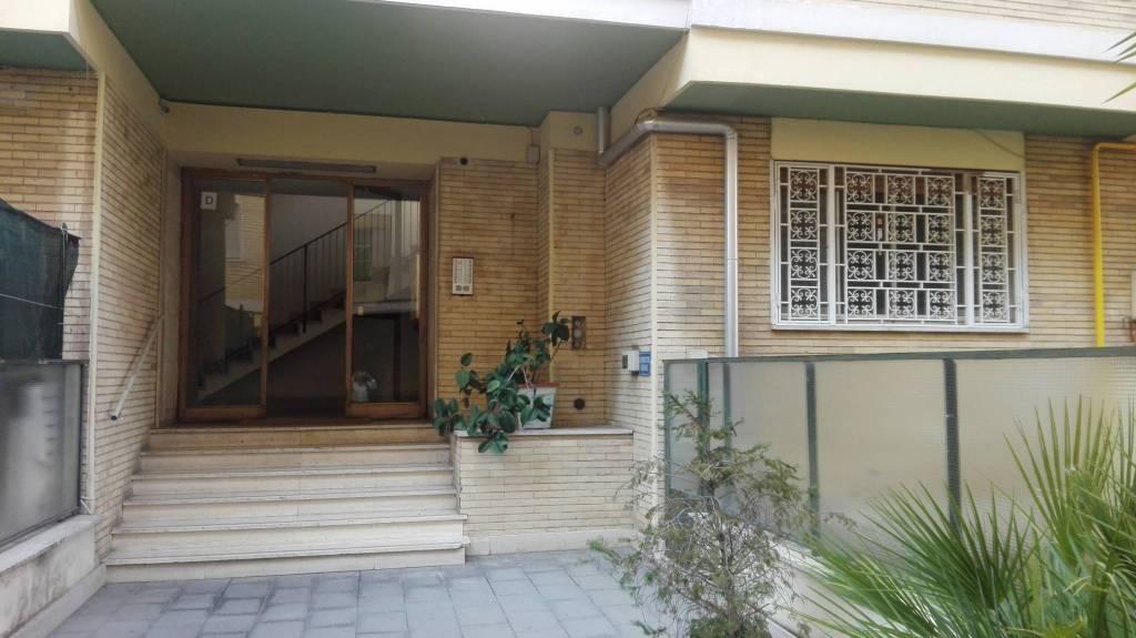 Appartamento in ottime condizioni parzialmente arredato in affitto Rif. 7966449
