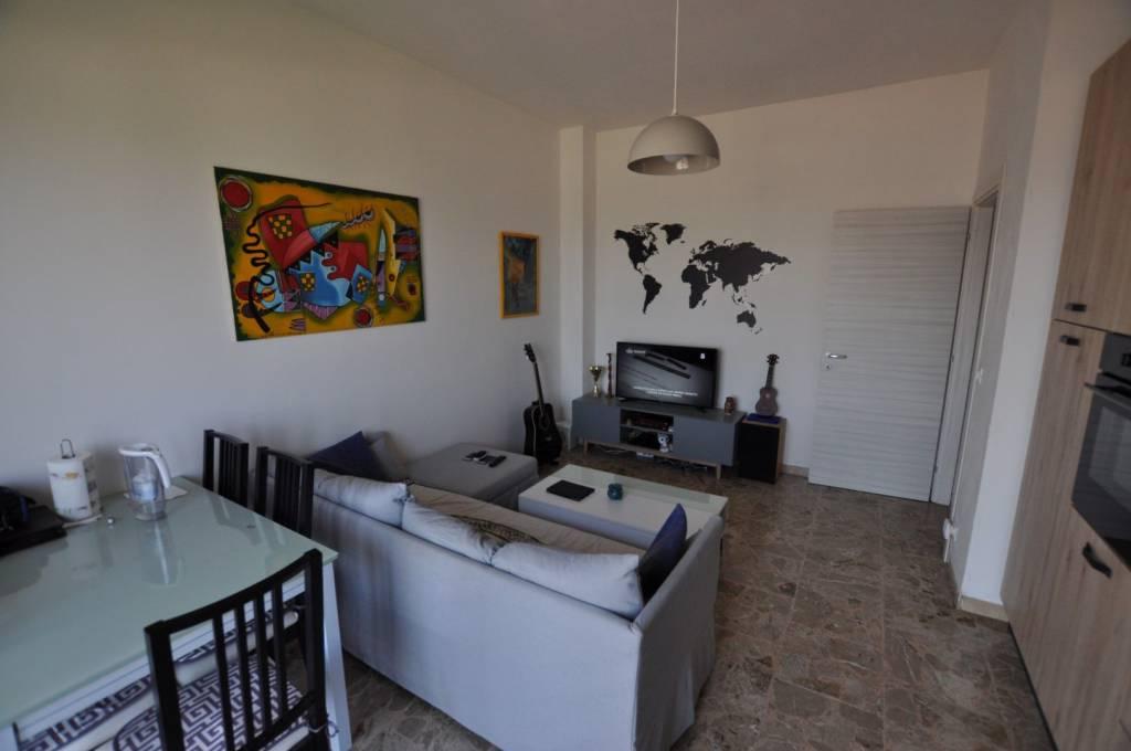 Appartamento in ottime condizioni in vendita Rif. 7965839