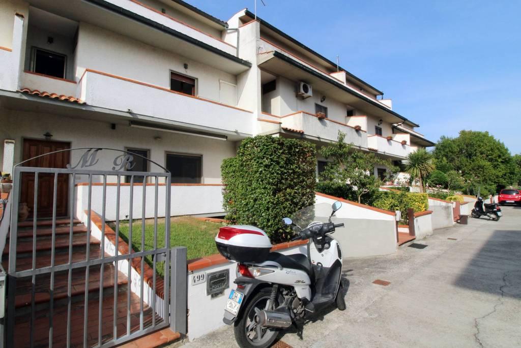 Villetta a schiera in buone condizioni in vendita Rif. 7966158