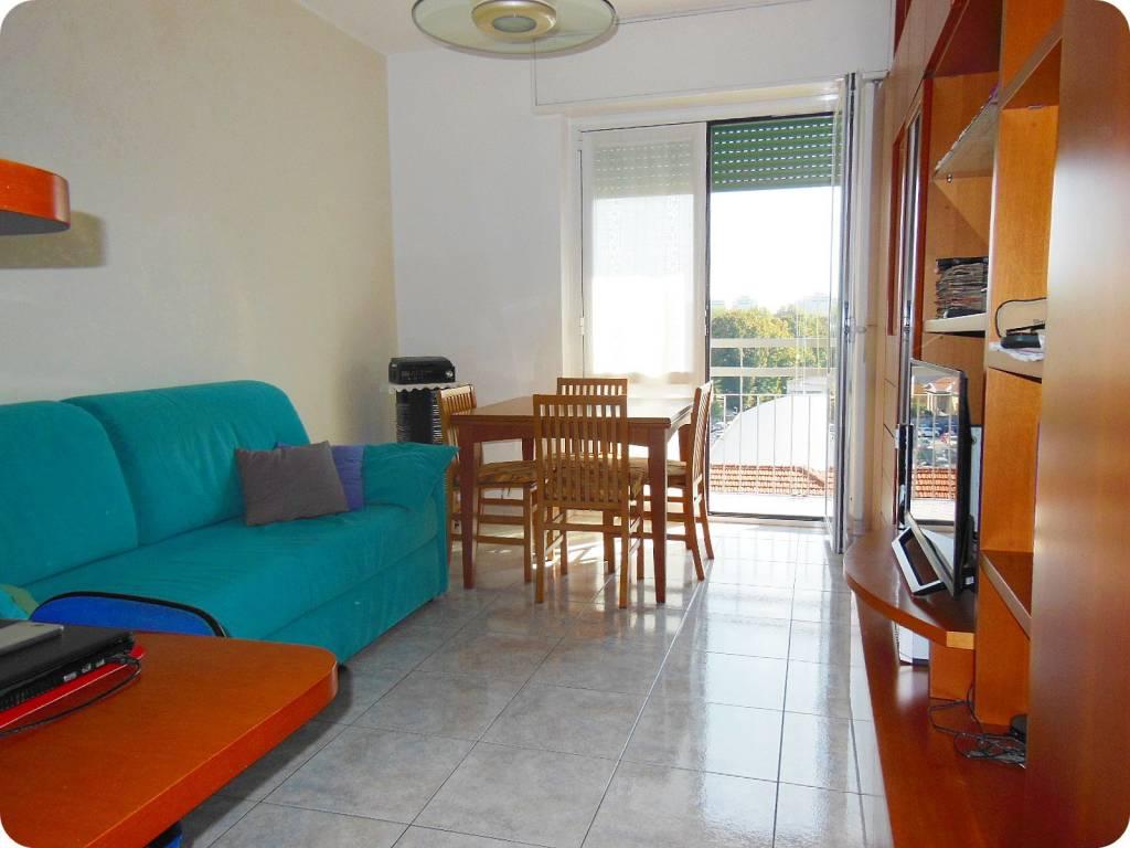 Appartamento in buone condizioni in vendita Rif. 7966647