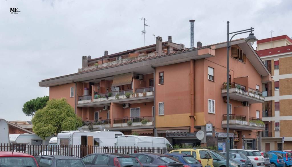 Appartamento in buone condizioni parzialmente arredato in vendita Rif. 7907445