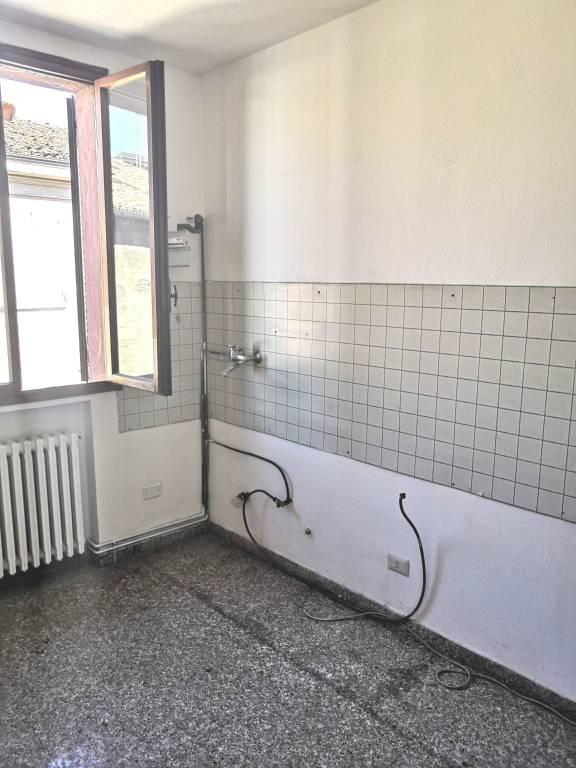 Appartamento in buone condizioni in affitto Rif. 7969059
