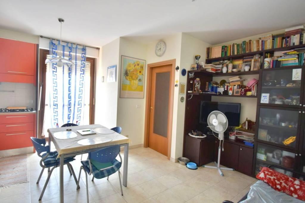 Appartamento in ottime condizioni in vendita Rif. 7964234