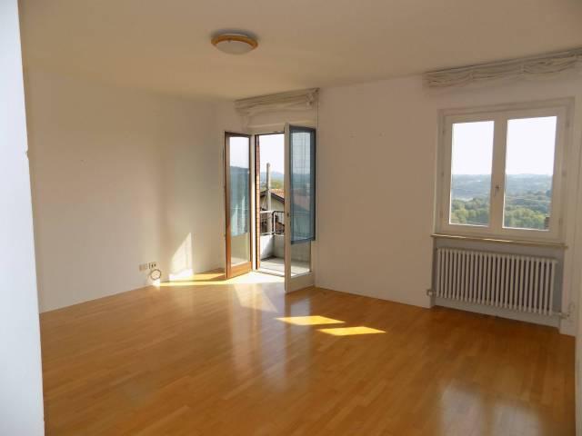 Appartamento in affitto a Uggiate-Trevano, 4 locali, prezzo € 600 | Cambio Casa.it