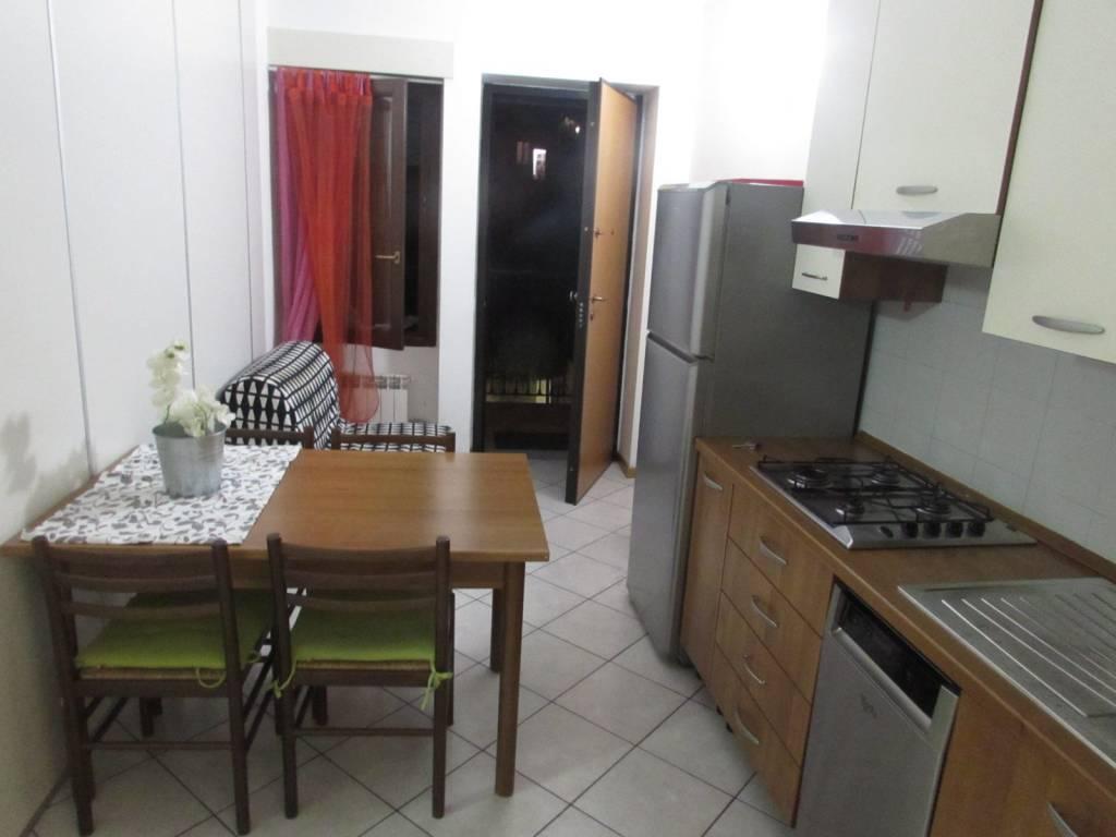 Appartamento in ottime condizioni arredato in affitto Rif. 7591663
