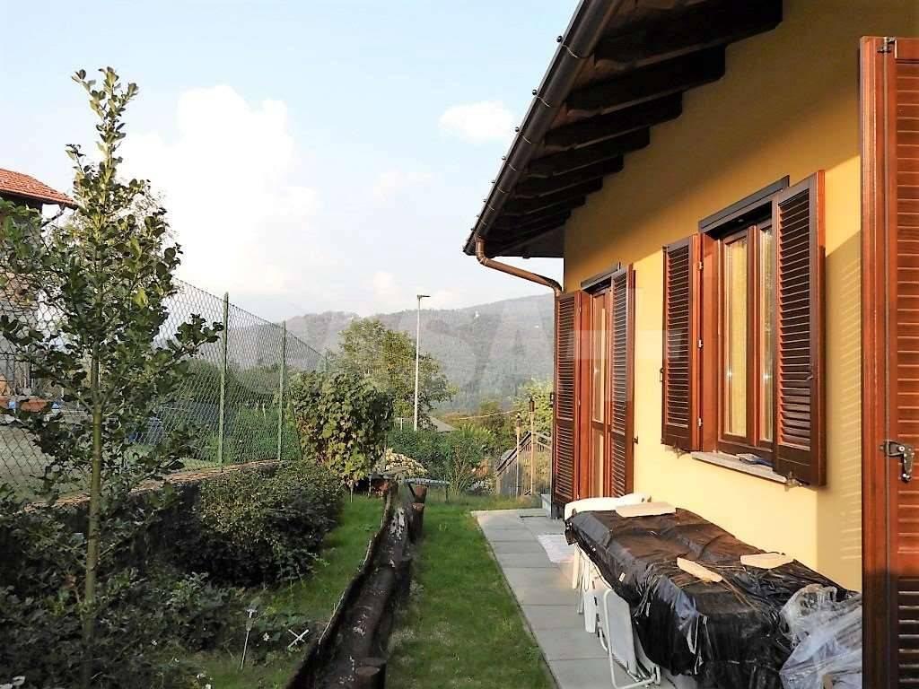 Appartamento in buone condizioni in vendita Rif. 7965064
