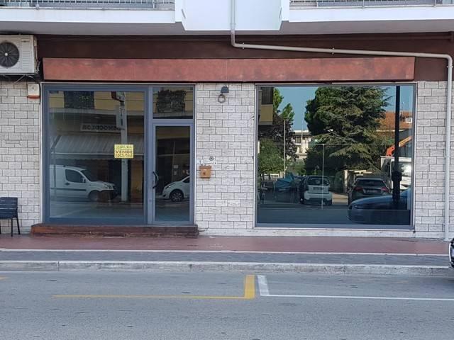 Rif. 81B Locale commerciale C.so Umberto Rif. 7085114