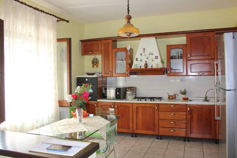 Appartamento in Vendita a Chiusi: 4 locali, 105 mq