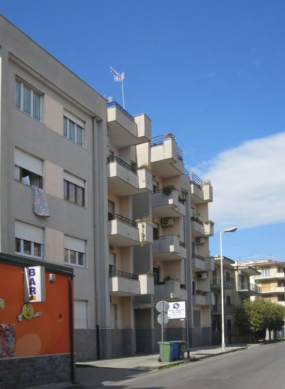 Appartamento in buone condizioni in vendita Rif. 7968913