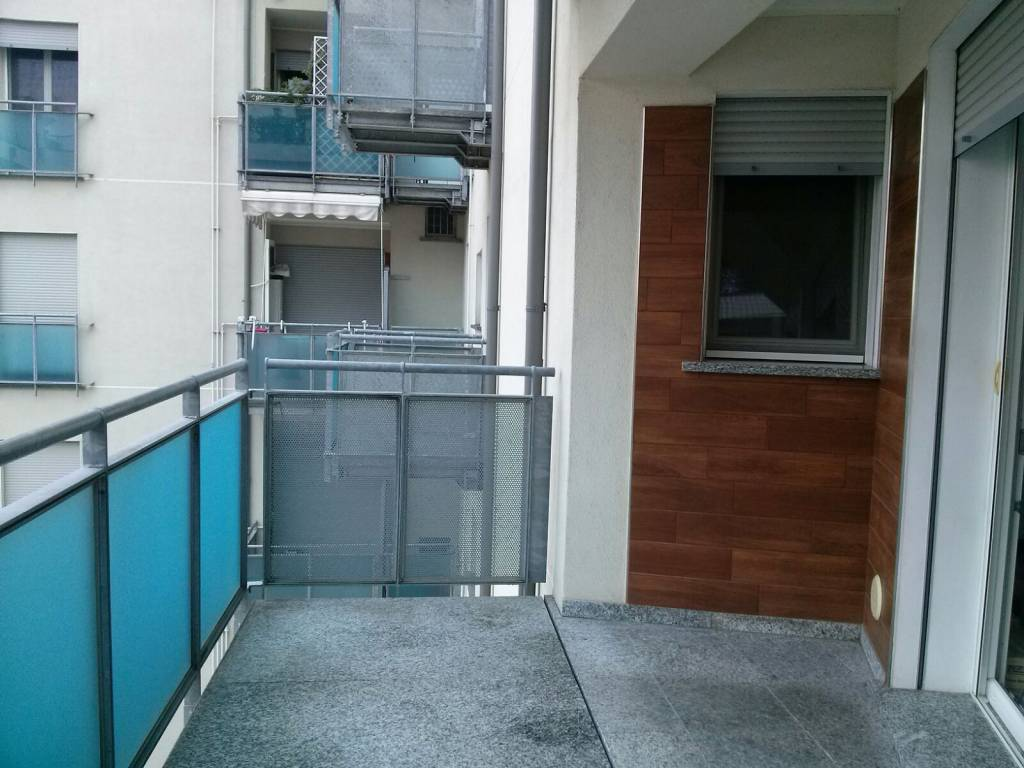 Appartamento in buone condizioni in affitto Rif. 7908975