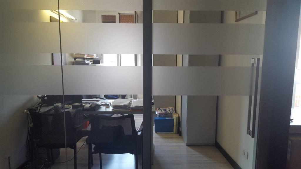 Ufficio-studio in Affitto a Modena Centro: 5 locali, 160 mq