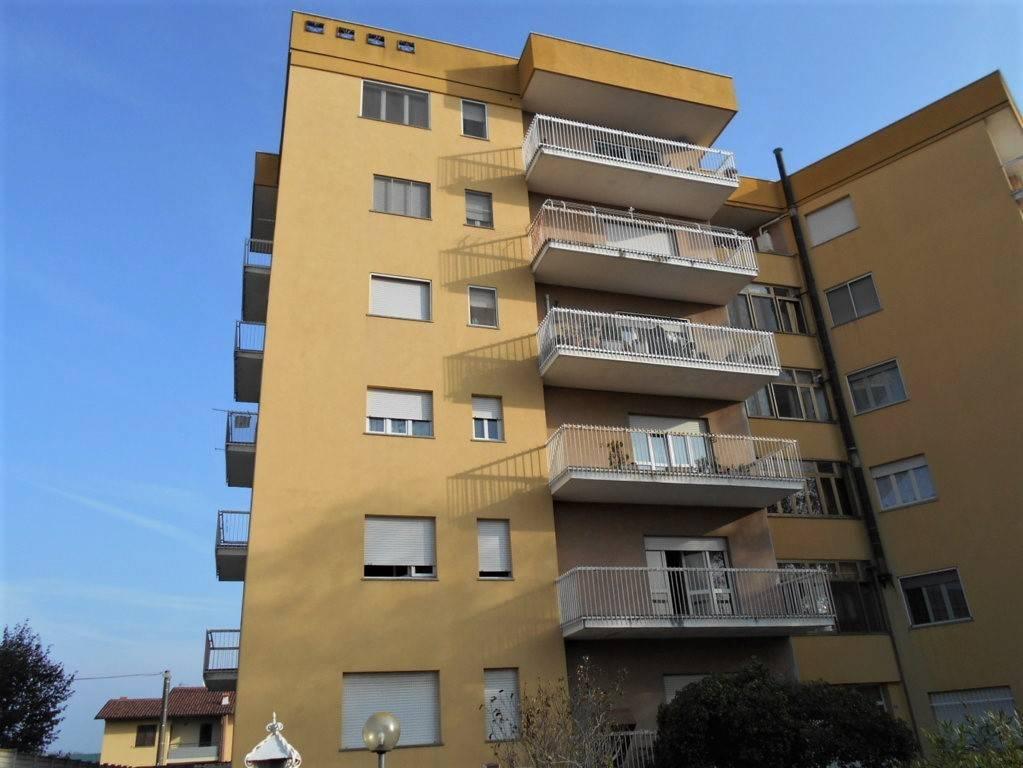 Appartamento in affitto a Cigliano, 5 locali, prezzo € 400 | CambioCasa.it