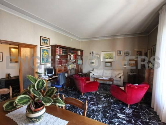 Appartamento in buone condizioni in vendita Rif. 7969919