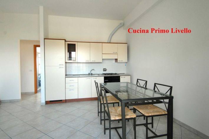 Appartamento in buone condizioni parzialmente arredato in vendita Rif. 7965511