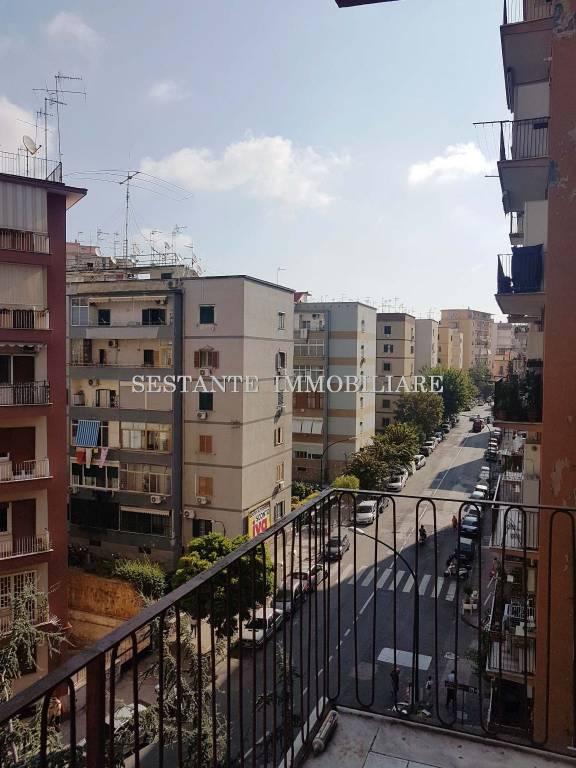 Appartamento in vendita 5 vani 115 mq.  via Vincenzo Scala 21 Napoli
