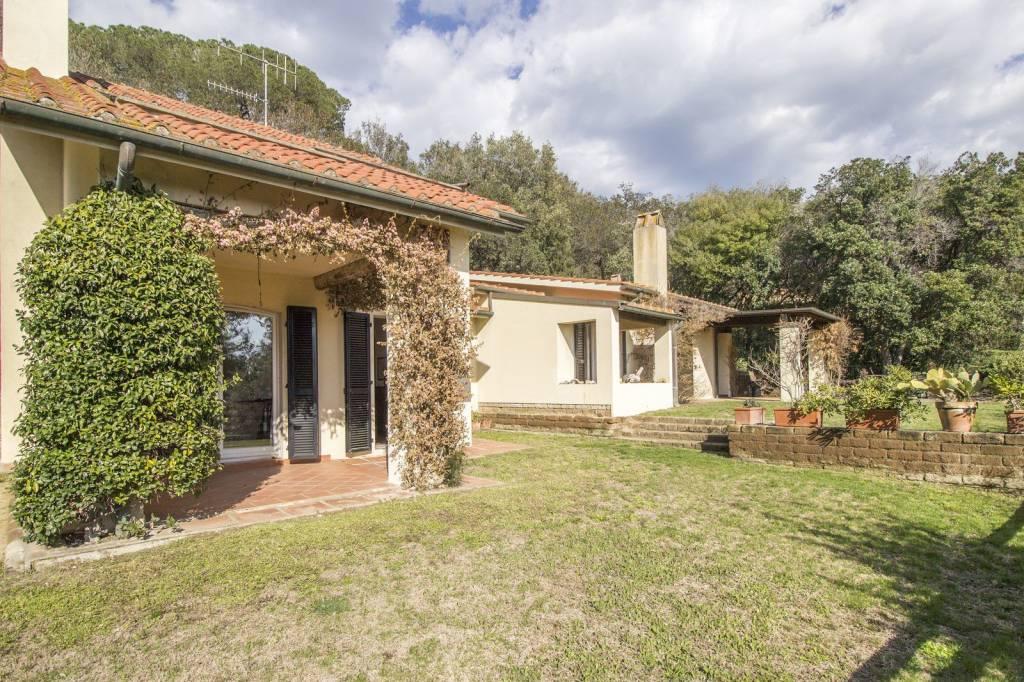 Villa Unifamiliare 300 metri dal mare