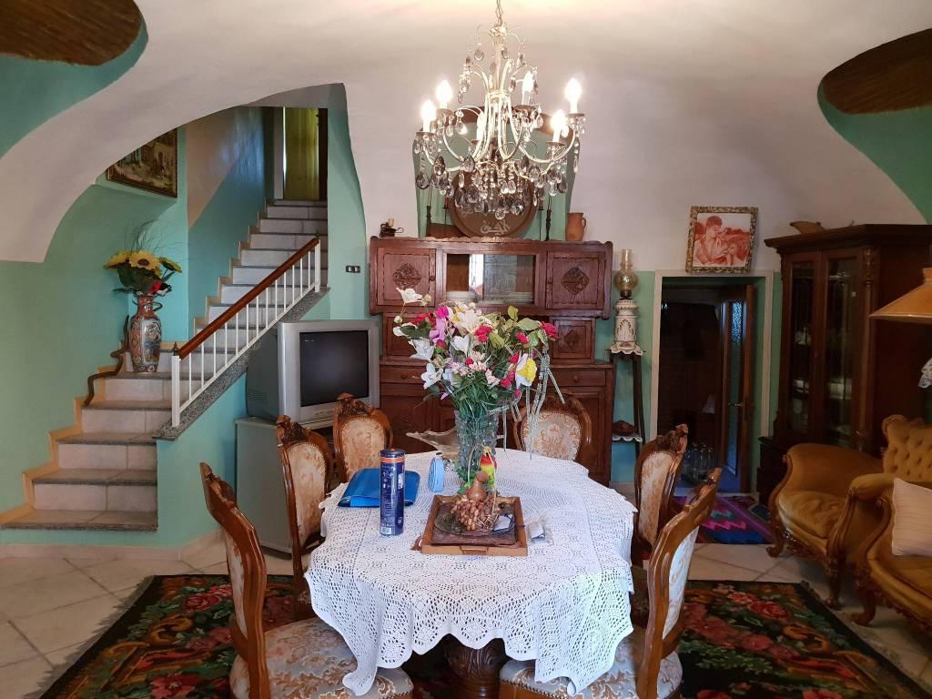 Casa Indipendente in ottime condizioni arredato in vendita Rif. 7968504