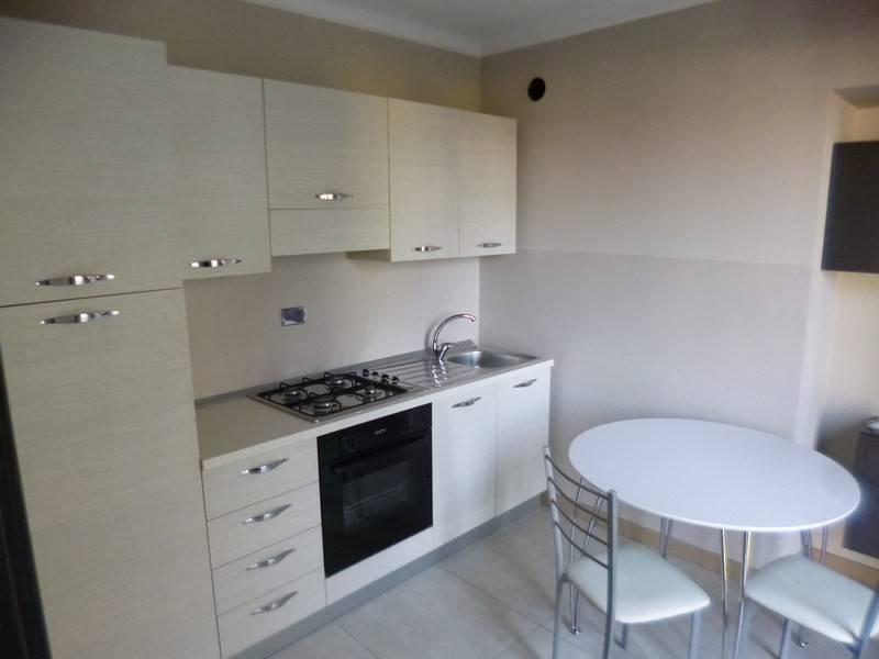 Appartamento in ottime condizioni arredato in affitto Rif. 7976728